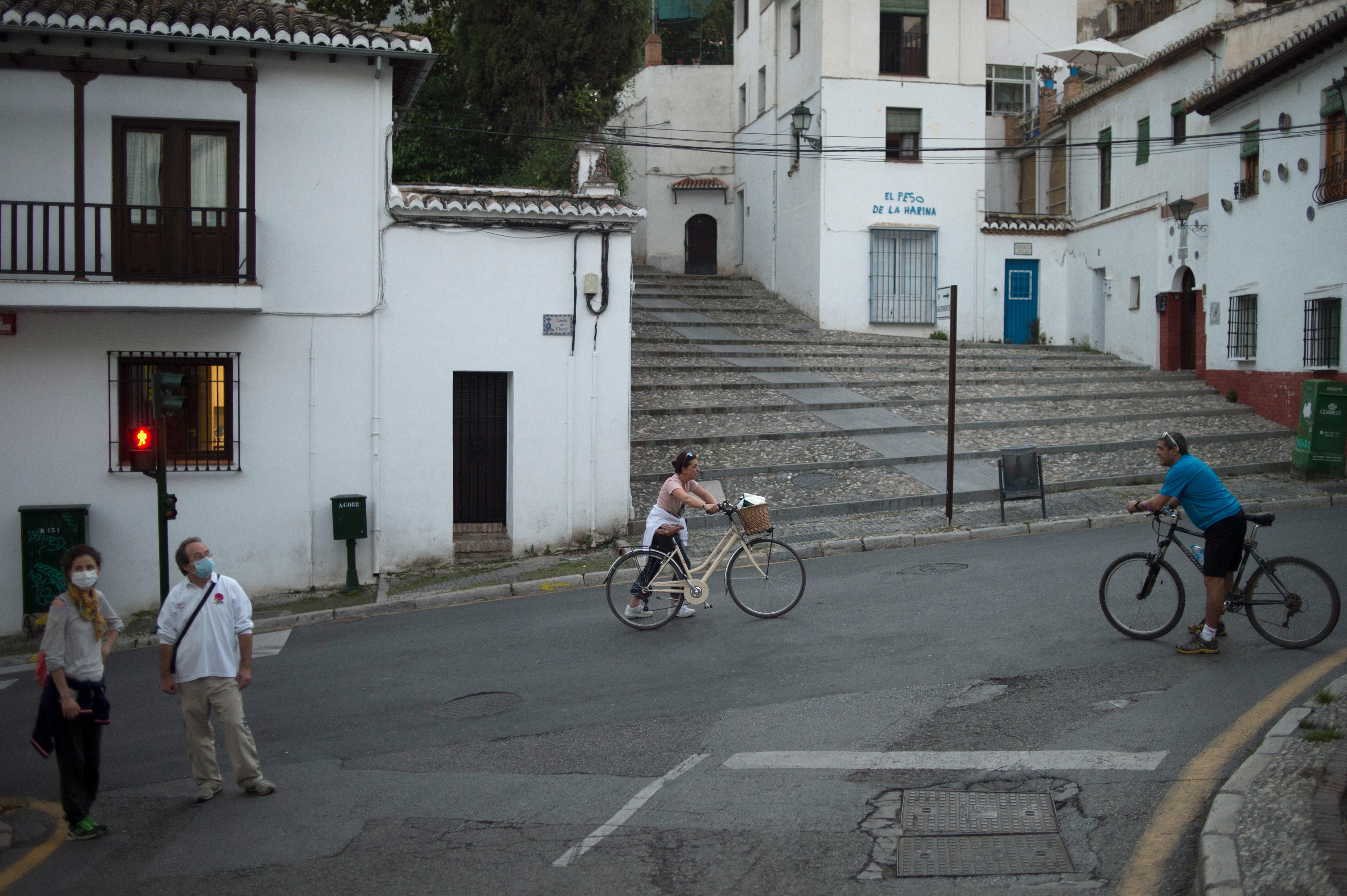 In Spanje worden de heel strikte regels rustig versoepeld