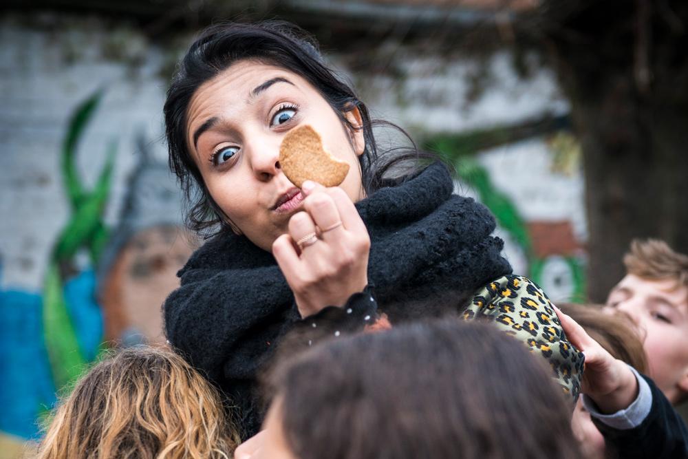 Sarah met een koekje